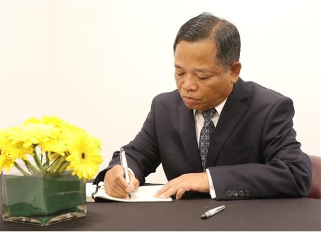 Thủ tướng Hàn Quốc ghi sổ tang: Chủ tịch nước Trần Đại Quang là nhà lãnh đạo cả thế giới tôn trọng - Ảnh 11.