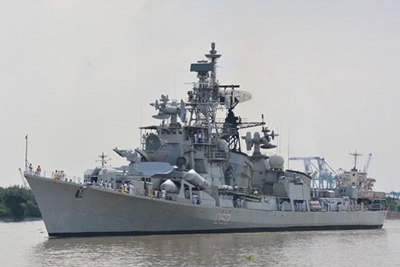 Tàu Hải quân Ấn Độ thăm TP Hồ Chí Minh - ảnh 1