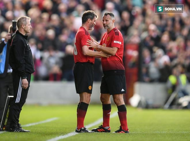 Có một bức ảnh khiến Pogba nhìn vào mà phải xấu hổ với màu áo đỏ Man United - Ảnh 1.