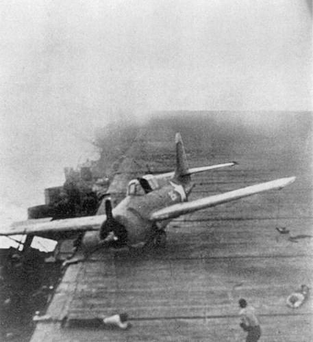 """Hành trình """"sống sót"""" của tàu sân bay USS Enterprise qua Thế chiến II - ảnh 3"""
