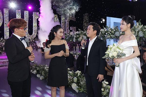 MC đám cưới của Nhã Phương chính là cô gái Trường Giang yêu đơn phương 17 năm trước - ảnh 4