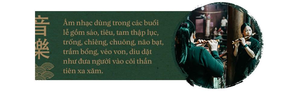 Phá cửa địa ngục xá tội vong nhân tại đạo quán độc nhất vô nhị ở Chợ Lớn Sài Gòn - Ảnh 7.