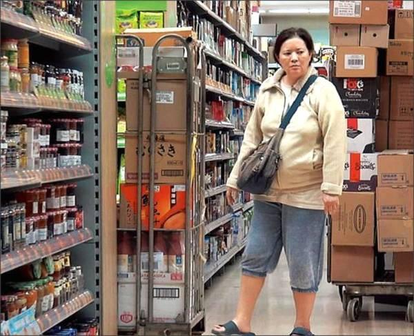 Cuộc sống bi đát của ngọc nữ Hong Kong Lam Khiết Anh: Nhặt thức ăn thừa, sống nhờ trợ cấp  - Ảnh 6.