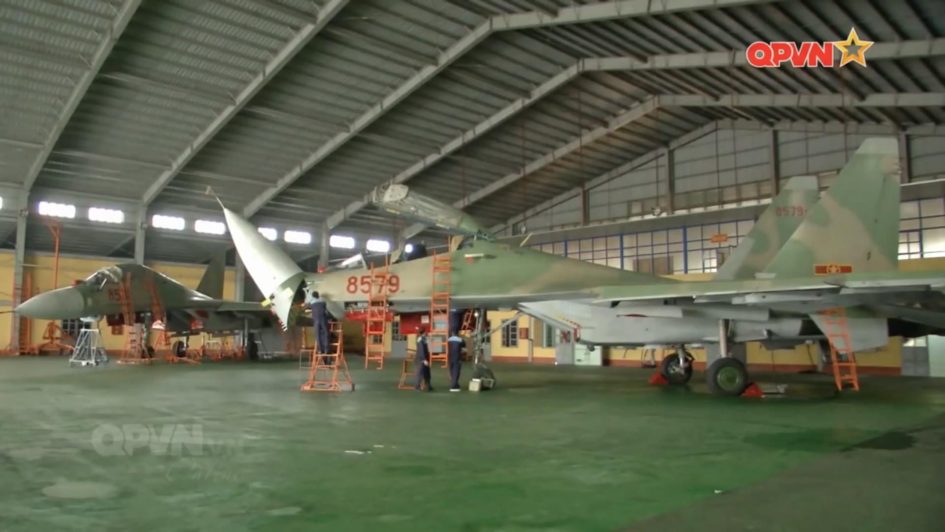 Kết quả hình ảnh cho Việt Nam sữa chữa đại tu Su-30MK2 8522