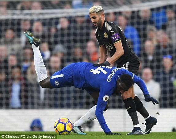 """Chơi hơn người trên sân nhà, Chelsea vẫn hóa… cừu non trước """"Bầy cáo"""" - Ảnh 2."""