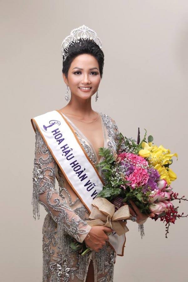 Loạt ảnh ngô nghê, hài hước thời chưa nổi tiếng của tân hoa hậu HHen Niê - Ảnh 13.