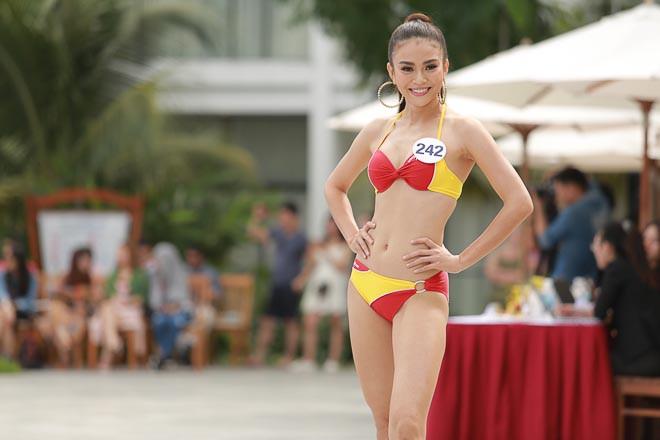 Các thí sinh Hoa hậu Hoàn vũ Việt Nam thi bikini nóng bỏng, lộ nhược điểm cơ thể - Ảnh 10.
