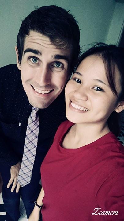 Phải lòng cô gái Hà Tĩnh bán cà phê, chàng giám đốc Mỹ cứ mở mắt ra là học tiếng Việt - Ảnh 4.