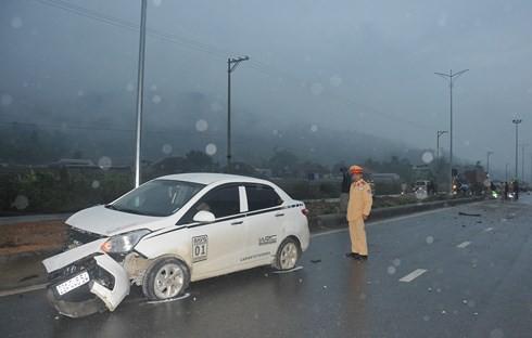 Xe Hyundai đâm chết 5 công nhân: Tài xế trốn khỏi hiện trường chưa đến công an trình diện - Ảnh 2.