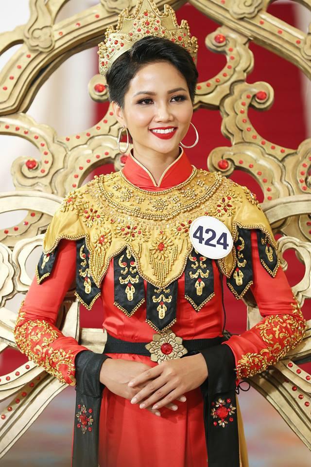 Tại sao HHen Niê đánh bại Hoàng Thùy, Mâu Thủy đăng quang HH Hoàn vũ Việt Nam? - Ảnh 8.