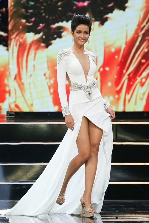H'Hen Niê đăng quang Hoa hậu, xuất hiện nhiều bình luận tiêu cực, chê bai giống đàn ông 3