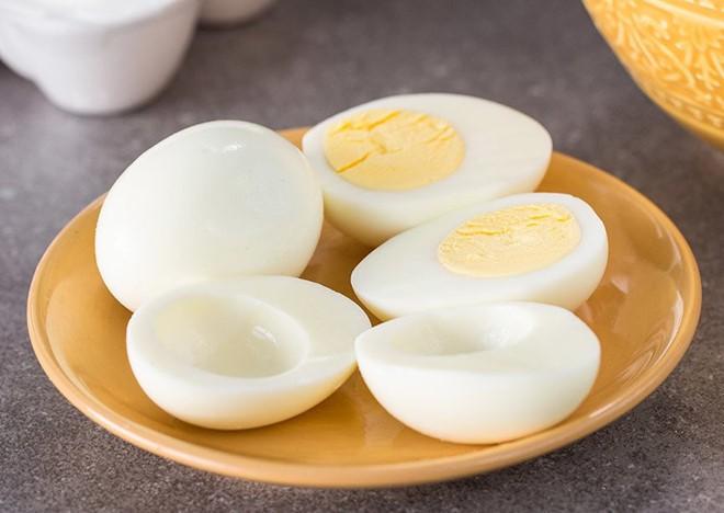 Chuyên gia tiết lộ: Bí mật dinh dưỡng và cách ăn trứng  gà tốt nhất nhiều người chưa biết - Ảnh 4.
