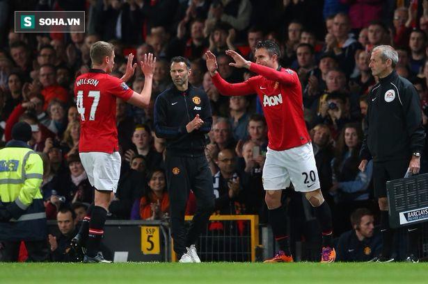 Sát thủ ghi 2 bàn chỉ sau 61 phút ra mắt Man United đã bị hủy hoại thế nào? - Ảnh 2.