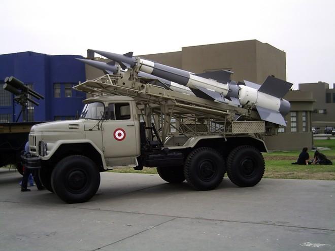 """Syria """"giăng lưới"""" hệ thống tên lửa S-125 ở Damascus - Ảnh 1."""