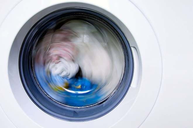 6 cách làm sạch và sử dụng máy giặt đơn giản nhưng rất nhiều người không biết - Ảnh 1.