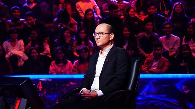 MC Phan Đăng: Ai thay thế MC Lại Văn Sâm dẫn Ai là triệu phú cũng đều bị so sánh - Ảnh 2.