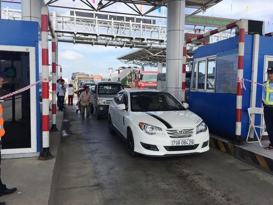 BOT Ninh An: Các lái xe lần này không trả tiền dù là tiền lẻ hay tiền chẵn - Ảnh 2.