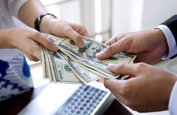 Mặt tối chơi tiền ảo: 1/5 nhà đầu tư đi vay tiền để đánh Bitcoin và cứ 4 người thì có 1 người không thể trả nổi nợ! - Ảnh 2.