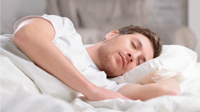 Uống nước chanh, tìm mối quan hệ lành mạnh hay ngủ đủ giấc: Đây là những bí mật về thói quen sẽ giúp bạn thành công! - Ảnh 2.