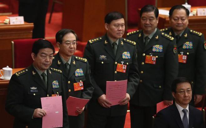 Vụ tướng Trung Quốc ngã ngựa: 2 chiến hữu sát cánh từ quãng đường oanh liệt đến ngày tàn - Ảnh 3.