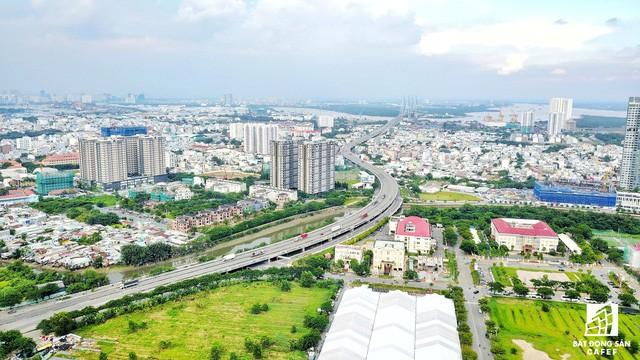 Toàn cảnh khu đô thị hiện đại bậc nhất Sài Gòn với hàng chục nghìn căn nhà cao cấp đang ùn ùn mọc lên - Ảnh 3.
