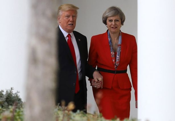 Rộ tin Tổng thống Trump hủy thăm Anh vì lý do giời ơi - Ảnh 2.