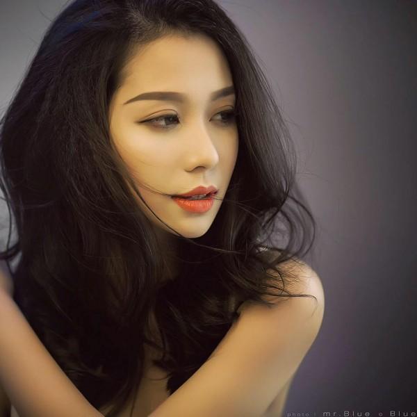 Chân dung bạn gái xinh đẹp khiến Yanbi 'tự nguyện' unfriend hết gái xinh trên Facebook - ảnh 1
