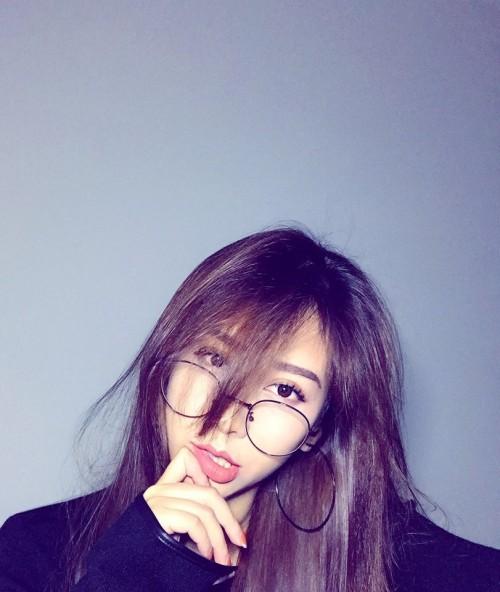 Chân dung bạn gái xinh đẹp khiến Yanbi 'tự nguyện' unfriend hết gái xinh trên Facebook - ảnh 2