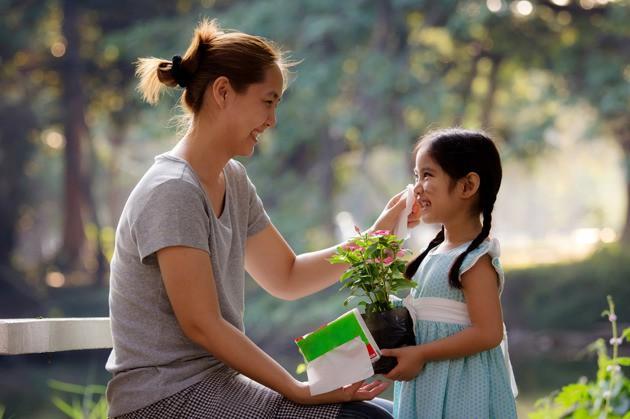Những cách khen con quen thuộc nhưng thực ra lại phản tác dụng và trẻ không muốn nghe - Ảnh 2.