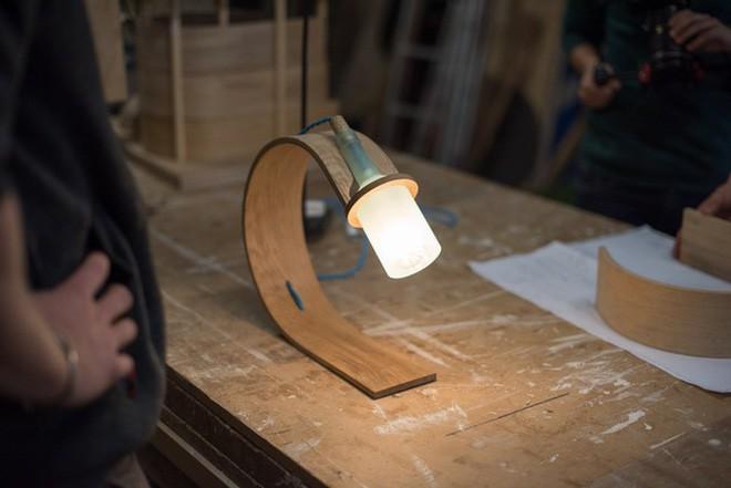 Đèn tái chế có thiết kế hiện đại tối giản đẹp như một cơn mơ - Ảnh 2.