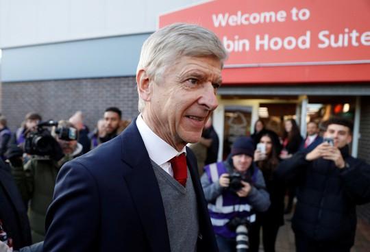 HLV Wenger cương quyết không rời Arsenal - Ảnh 1.
