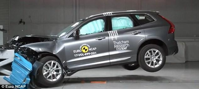 Đây tiếp tục là chiếc ô tô an toàn nhất thế giới, bán giá bao nhiêu tại Việt Nam? - Ảnh 2.
