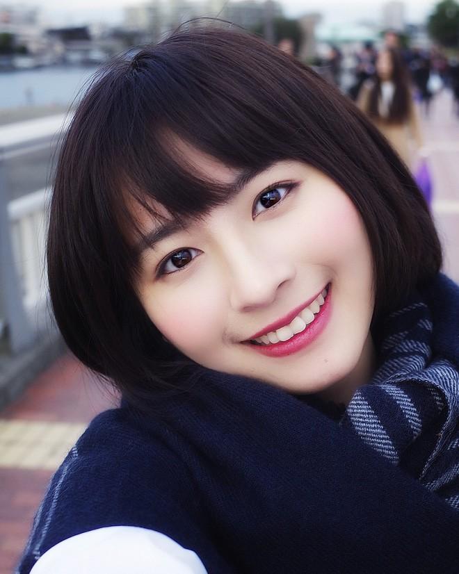 Nữ sinh Trung Quốc được cư dân mạng ca ngợi vì nhan sắc đỉnh cao, trông giống hệt ngọc nữ số 1 Nhật Bản - Ảnh 2.
