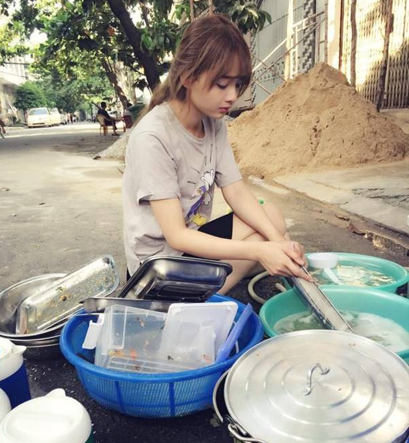 Cô gái dành cả thanh xuân để rửa bát cho nhà người yêu, đã không được giúp mà còn bị phũ lần sau không cần sang - Ảnh 1.