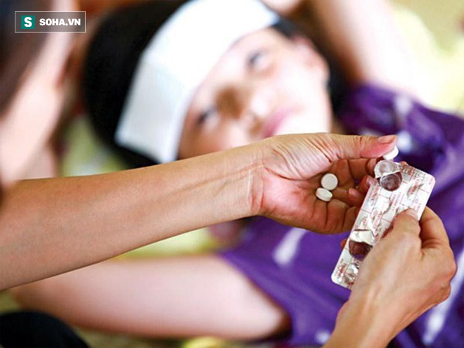 Chuyên gia BV Nhi Trung ương: Trẻ sốt cúm tuyệt đối không tự ý dùng thuốc trị cúm này! - Ảnh 1.