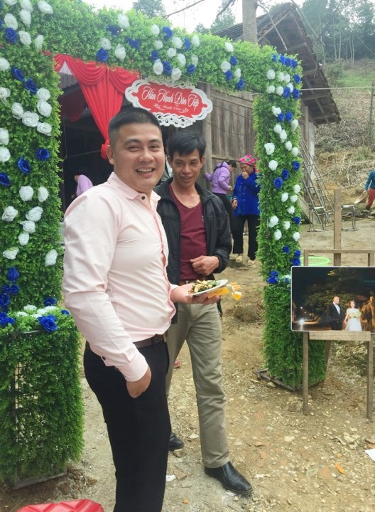 Đám cưới mỗi người một nơi, chú rể ở nhà tiếp khách, cô dâu ở trạm xá đẻ con xôn xao MXH - Ảnh 2.