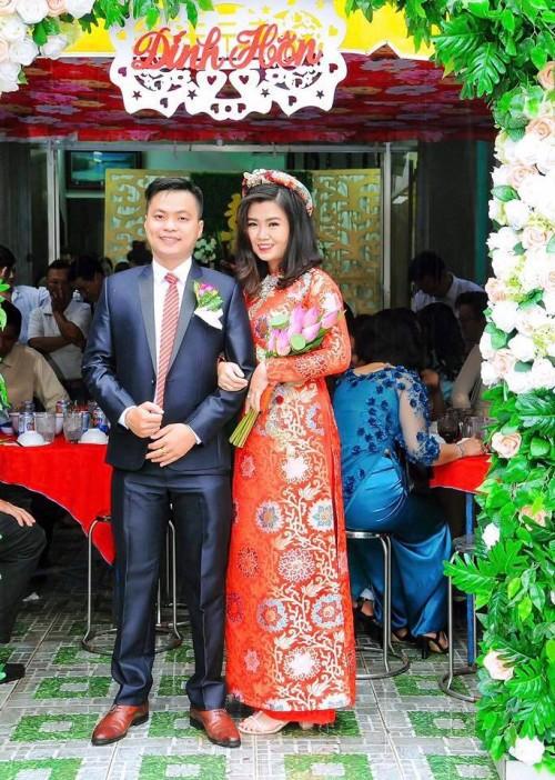Cô gái được bà nội 'hộ tống' đi gặp mặt bạn trai tại Bạn muốn hẹn hò rạng rỡ trong lễ đính hôn - Ảnh 1.