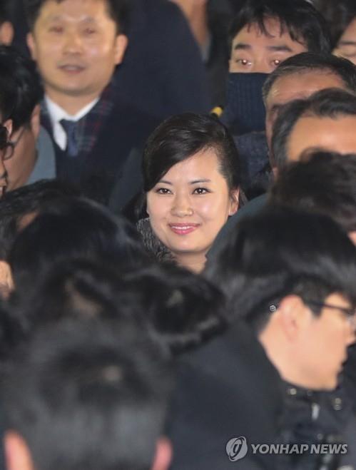 Đoàn tiền trạm Triều Tiên đã tới Hàn Quốc, người đẹp quyền lực dẫn đầu đoàn - ảnh 4