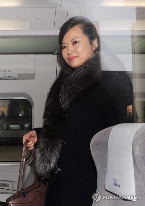 Đoàn tiền trạm Triều Tiên đã tới Hàn Quốc, người đẹp quyền lực dẫn đầu đoàn - ảnh 5