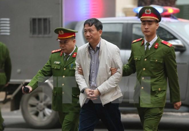 Thẩm phán bắt đầu đọc bản án cho bị cáo Đinh La Thăng, Trịnh Xuân Thanh và đồng phạm - Ảnh 3.