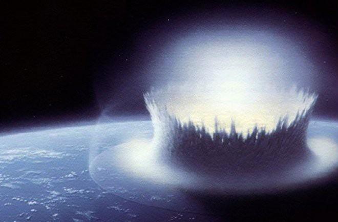 Thiên thạch tấn công Trái Đất: Dùng bom nguyên tử thổi bay hay dùng... lưới, sơn, gương? - Ảnh 2.