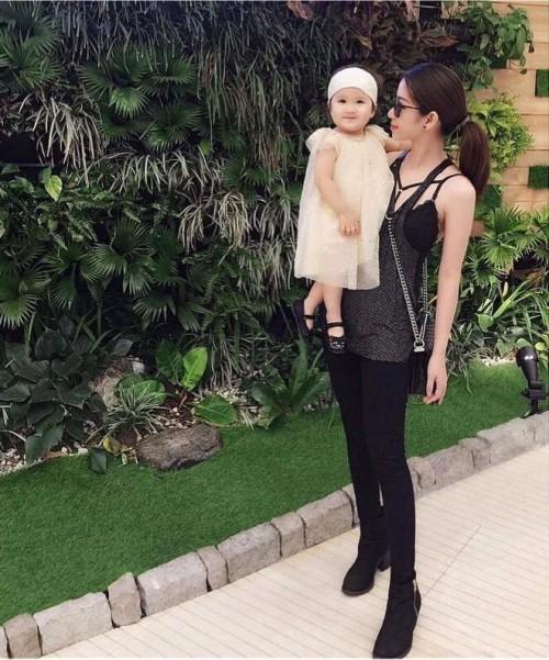 Chân dung bạn gái xinh đẹp khiến Yanbi 'tự nguyện' unfriend hết gái xinh trên Facebook - ảnh 11
