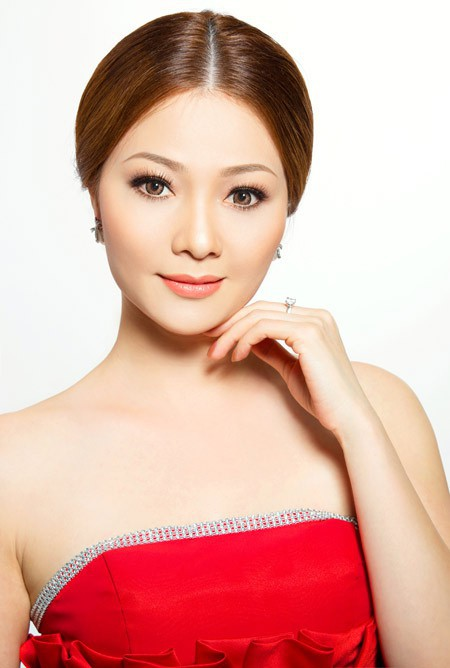 Những người đẹp Việt Nam một lần lên ngôi Hoa hậu, tại vị suốt hàng chục năm vẫn không có người kế nhiệm để trao vương miện - Ảnh 12.