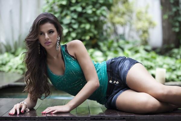 Lộ cảnh nóng ngoài biển, Neymar và nữ diễn viên Bruna chính thức tái duyên - Ảnh 13.