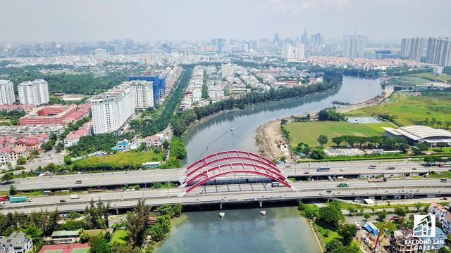 Toàn cảnh khu đô thị hiện đại bậc nhất Sài Gòn với hàng chục nghìn căn nhà cao cấp đang ùn ùn mọc lên - Ảnh 14.