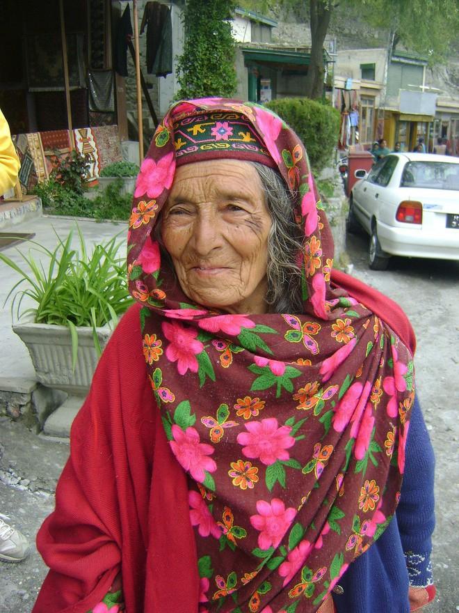 Vùng đất lạ kỳ nơi phụ nữ 60 tuổi vẫn có thể sinh con, 900 năm qua không ai mắc bệnh ung thư - Ảnh 14.