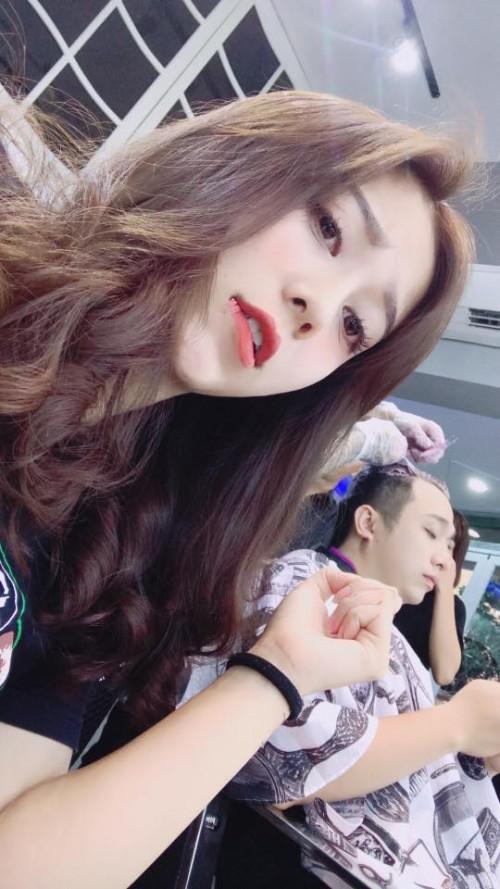 Chân dung bạn gái xinh đẹp khiến Yanbi 'tự nguyện' unfriend hết gái xinh trên Facebook - ảnh 17