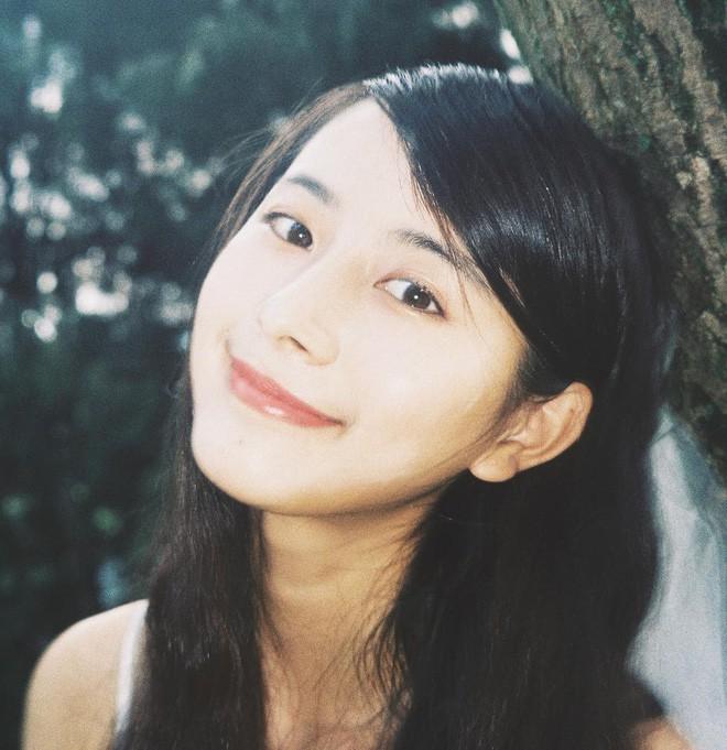 Nữ sinh Trung Quốc được cư dân mạng ca ngợi vì nhan sắc đỉnh cao, trông giống hệt ngọc nữ số 1 Nhật Bản - Ảnh 18.