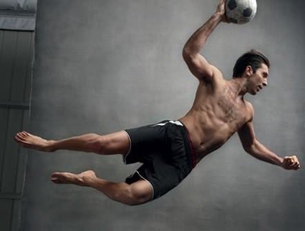 Nữ MC thể thao thừa nhận không đáp ứng nổi nhu cầu 'chuyện ấy' của Buffon - Ảnh 3.