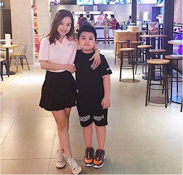 Vất vả 8 năm nuôi con một mình, single mom Lào Cai U30 vẫn trẻ xinh như thuở chưa chồng - Ảnh 3.